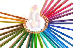 Paint a smile (marinadelcastell) Tags: flickrfriday akindofmagic clown pagliaccio payaso pallasso colour color couleur farbe colore coloredpencil buntstift crayondecouleur lápiz llapis circle kreis cercle cerchio círculo longexposure langzeitbelichtung poselongue largaexposición