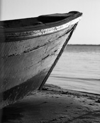 (Gabriel Ghiggeri) Tags: canoe canoa river rio parana argentina black white blanco y negro mamiya rb67 pro s medium format film kodak tri x 400 sunset texture water reflection filmshooter ishootfilm sekor 180mm