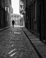 IMG_20190327_085707_149 (Paulo J Moreira) Tags: paulomoreira portugal porto pretoebranco panasonic lumixgx7 fotografiaderua streetphotography blackandwhite