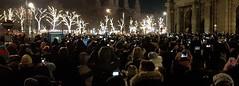 20190101_000117   Shooting the Fireworks (Johannes Ortner) Tags: menschen nacht neujahr silvester fotografieren kurios wien vienna photographing people crowd newyear night
