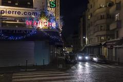 . (Le Cercle Rouge) Tags: paris france night nuit darkness montmartre marché saintpierre sacrécoeur 75018