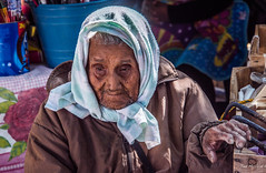 2018 - Mexico - Oaxaca - Ocotlán de Morelos - Market Day - 5 of 12 (Ted's photos - Returns late Feb) Tags: 2018 cropped mexico nikon nikond750 nikonfx oaxaca tedmcgrath tedsphotos tedsphotosmexico vignetting ocotlándemorelos ocotlan ocotanoaxaca ocotlanmexico old oldman