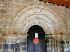 Vizcaínos (santiagolopezpastor) Tags: espagne españa spain castillayleón castilla burgos provinciadeburgos medieval middleages iglesia church románico romanesque puerta door