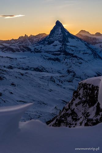 Matterhorn przed zachodem słońca