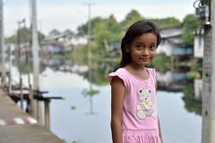 pretty canal girl (the foreign photographer - ฝรั่งถ่) Tags: pretty preteen canal girl child khlong lard phrao portraits bangkhen bangkok thailand nikon d3200