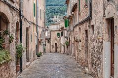 VALLDEMOSA (Mallorca) (Esteve Roca) Tags: esteveroca mallorca valldemosa montaña paisajes cielo colores texturas illesbalears islasbaleares