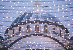 Festive Atmosphere (freyavev) Tags: lensbaby lensbabytwist twist bokeh lights christmaslights hram hramsvetogsave church orthodox vsco outdoor urban urbandetails canon canon700d mikasniftyfifty vracar belgrade beograd serbia srbija balkan