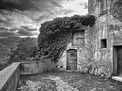 Ghost Town, Abruzzo, Italy (Claudio_R_1973) Tags: ghosttown abruzzo italy marsica apennines black white blackandwhite bw monochrome architecture ruins abandoned details landscape mistery