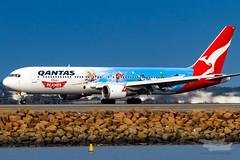 VH-OGG QF B763 34L YSSY-8263 (A u s s i e P o m m) Tags: qantas qf boeing b767 syd yssy disney planes disneyplanes sydneyairport