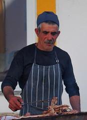 O homem do churrasco (rgrant_97) Tags: portugal algarve alcoutim fronteira border guadiana rio spring