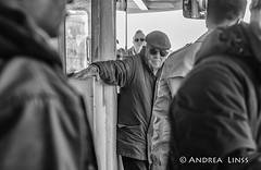 venezia ... (andrealinss) Tags: italia italien italy venedig venezia venice schwarzweiss street streetphotography streetfotografie bw blackandwhite andrealinss 35mm vaporetto