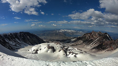 Mt St Helen's summit_2018 (tmosesmemories) Tags: gopro nationapark hiking snow volcano crater backpacking daytrip adventure explore mtsainthelens stratovolcano tmosesmemories mountains outdoors hikingadventures pnwhiking landscape landscapephotography mountainview