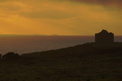 3KA12384a_C (Kernowfile) Tags: cornwall cornish pentax capecornwall housewaterreflectionsrocksbusheshillsslopeskysunset lightsunsetscilly isleslighthouseround islandcloudtin coast cliffs horizon sea