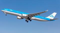 MSP PH-AKD (Moments In Flight) Tags: minneapolisstpaulinternationalairport msp kmsp mspairport phakd airbus a330 a333 a330303 klm aviation airplane airliner avgeek klm656 mspams kmspeham