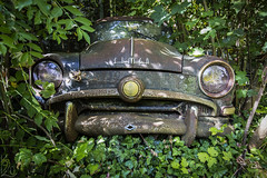 Hidden / Skrytý (katka.havlikova) Tags: abandoned car vehicle wreck lost rudt rusty france francie urbex urban exploration urbanexploration opuštěné auto rez green simca travel transpor transportation
