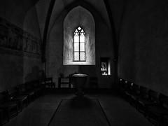 Seitenkapelle (Paramedix) Tags: switzerland schweiz schaffhausen kirche church johannes bw sw black white schwarz weis monochrome