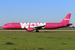 WOW Air  Airbus A321-211 TF-KID (widebodies) Tags: amsterdam ams eham widebody widebodies plane aircraft flughafen airport flugzeug flugzeugbilder wow air airbus a321211 tfkid