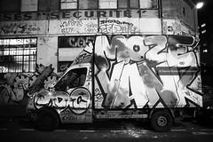 Street Art - Oberkampf-1 (serguei_30) Tags: canon canon6d 6d tamron 2470 art artiste artcomptemporain sergueidoublov streetart street photographefrançais perfect paris noiretblanc noir nocturne nuit blackwhite graffiti graphiti graph tag tags