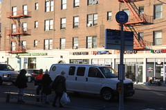 IMG_4397 (GojiMet86) Tags: mta nyc new york city bus buses q19 m60 sbs select service countdown clock stop astoria blvd 31st street
