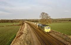 66553 Renishaw Slitting Mill Xing 13 Feb 19 (doughnut14) Tags: 66553 rail freight diesel loco 6y86 belmont claycross freightliner slitting cum
