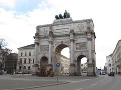 Brama Zwycięstwa (magro_kr) Tags: monachium munich münchen munchen muenchen niemcy germany deutschland bawaria bavaria bayern brama łuk luk architektura gate arch architecture