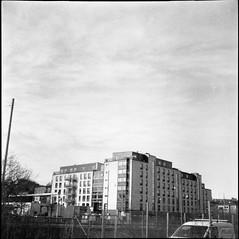 Arendal (rotabaga) Tags: sverige sweden svartvitt göteborg gothenburg blackandwhite bw bwfp lomo lomography lubitel166 twinlens mediumformat mellanformat 120 6x6 fomapan