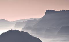 Un peu de fantaisie !!! (Evim@ge) Tags: montagne mountains paysage landscape art rose pink blue bleu extérieur outside misty fog foggy brume mist chartreuse