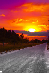 Sunset - Rio de Janeiro (Michell Fotografia) Tags: montanha travel casa contraluz brasil natureza sky clouds red riodejaneiro brazil cidademaravilhosa nature céu orange cores landscape paisagem viagem alvorada amanhecer sunrise sunset nascerdosol shadows silhueta pordosol sun sol
