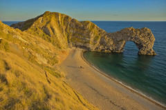 La porta dorata / The golden door (Durdle Door, Dorset, United Kingdom) (AndreaPucci) Tags: durdledoor dorset uk jurassiccoast andreapucci limestone arch