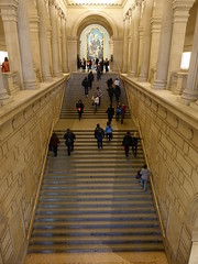 201902029 New York City Upper East Side Met Museum (taigatrommelchen) Tags: 20190205 usa ny newyork newyorkcity nyc manhattan uppereastside icon central perspective urban building architecture stairs met metropolitan museum art metropolitanmuseum