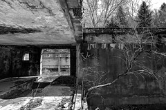 Protendere (Lo.Re.79) Tags: bw abandoned decay exploration factory forgotten industry italy outdoor rotten rottenplaces urban urbex
