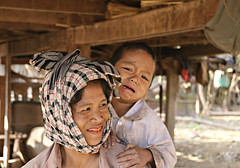 Mankong mother and child (bindubaba) Tags: laos mankong mothers children thongkhan