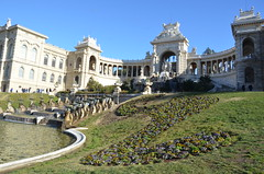 Vue d'ensemble du Palais Longchamp (RarOiseau) Tags: marseille bouchesdurhône parc musée ville paca saariysqualitypictures fontaine sculpture