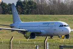 EC-JGM (d0mokun) Tags: birmingham england unitedkingdom gb aeroplanes planespotting aircraft planes nerdery ecjgm airbus vueling a320214 a320 egbb