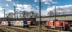 01_2019_02_09_Wanne-Eickel_Hbf_6185_678_Rpool_IGE_6185_697_Rpool_VTG_retrack_3294_700_DB (ruhrpott.sprinter) Tags: ruhrpott sprinter deutschland germany allmangne nrw ruhrgebiet gelsenkirchen lokomotive locomotives eisenbahn railroad rail zug train reisezug passenger güter cargo freight fret herne wanne eickel wanneeickel hbf db ige rpool vtg retrack 3294 6185 notfallzug outdoor logo natur