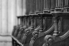 Sculpted stalls (Guillaume DELEBARRE) Tags: blackandwhite bw noiretblanc nb whiteandblack canon ef85f12ii 5d4 5dmarkiv church église stalls stalles