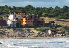 Aldea de mar (carlos_ar2000) Tags: aldea village mar sea playa beach gente people color colour paisaje landscape verano summer puntadeldiablo rocha uruguay