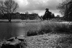 beside the lake (quietpurplehaze07) Tags: ღღentreamigosღღproyecto365días thursdaymonochromedonnerstagsmonochrom nationaltrust thevyne bw mono lake house
