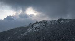 Aun hay luz (pinusylvestris) Tags: naturaleza d7500 nikon sigma 1770 contemporary clouds