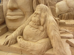Asia: Orangutan in a Temple,   A Day at the Zoo, Frankston Sand Sculptures, 2016 (d.kevan) Tags: sandsculptures frankston victoria adayatthezoo 2016 asia orangutans temples