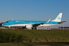 PH-EZG_EMB190_AMS_08JAN18 (Plane Shots) Tags: ams eham jetliner klm klmcityhopper emb190 phezg