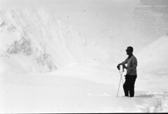 The man and the mountain (Arne Kuilman) Tags: lostandfound zimmermans photos photonotmine scan v600 epson holiday found gevonden austria oostenrijk mountains snow sneeuw