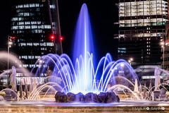 Milano CityLife (mauro.sarno) Tags: milanocitylife fontana city night water acqua lights luci building fountain