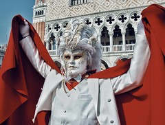 Venice Carnival (vittoria_erc) Tags: sunnyday italy perspective point nikon passion enjoy photoftheday photo photography art potrait face mask red street 2019 experience carnival venice