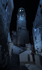 Nocturna Iglesia de Falset. (Ricardo Pallejá) Tags: nocturna nikon noche street night iglesia priorat falset tarragona tokina1116 calle contraste architecture arquitectura azul blue monocromático monocromo angular