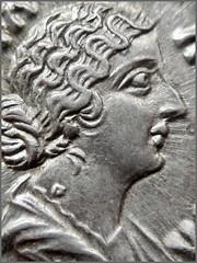 FAVSTINA AVGVSTA (AD 161) – IMG_9550 (αδαμαντες) Tags: faustinaminor faustina ad161 denarius silver coin imperiumromanum portrait faustinafilia marcusaurelius faustinaaugusta macro