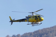 Eurocopter AS 350 B3 Swift Copters HB-ZSE SIR Sion Airport Switzerland 2019 (roli_b) Tags: eagle eurocopter as 350 b3 as350 airbus swift copters hbzse sir sion sitten airport switzerland valais wallis schweiz suisse suiza svizzera aircraft aviation heli helicopter vtol helikopter hubschrauber 2019
