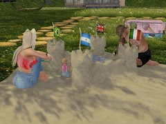 Castles in the Sand (lukeidlemind) Tags: secondlife daddy daughter beach sand play fun love suki family mom pregnant blondes blondeshavemorefunsecondliferegionelysiumtartarussecondlifeparcelscornsecondlifex160secondlifey163secondlifez3891