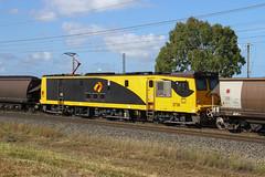 6651. 3738 mid train unit on EG05 loaded coal at Yukan 30-10-14 (Aussie foamer) Tags: 3738 3700class 3219 3200class ugl goninan qr queenslandrail qrn qrnational queenslandnational aurizon coaltrain yukan queensland train railway locomotive electriclocomotive rpauqld3700class rpauqld3700class3738
