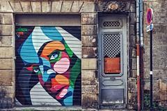 Alber dans les rues de Bordeaux (Isa-belle33) Tags: urban urbain ville city bordeaux wall mur window fenêtre porte door old ancien street fujifilm streetphotography streetart streetartbordeaux colors couleurs